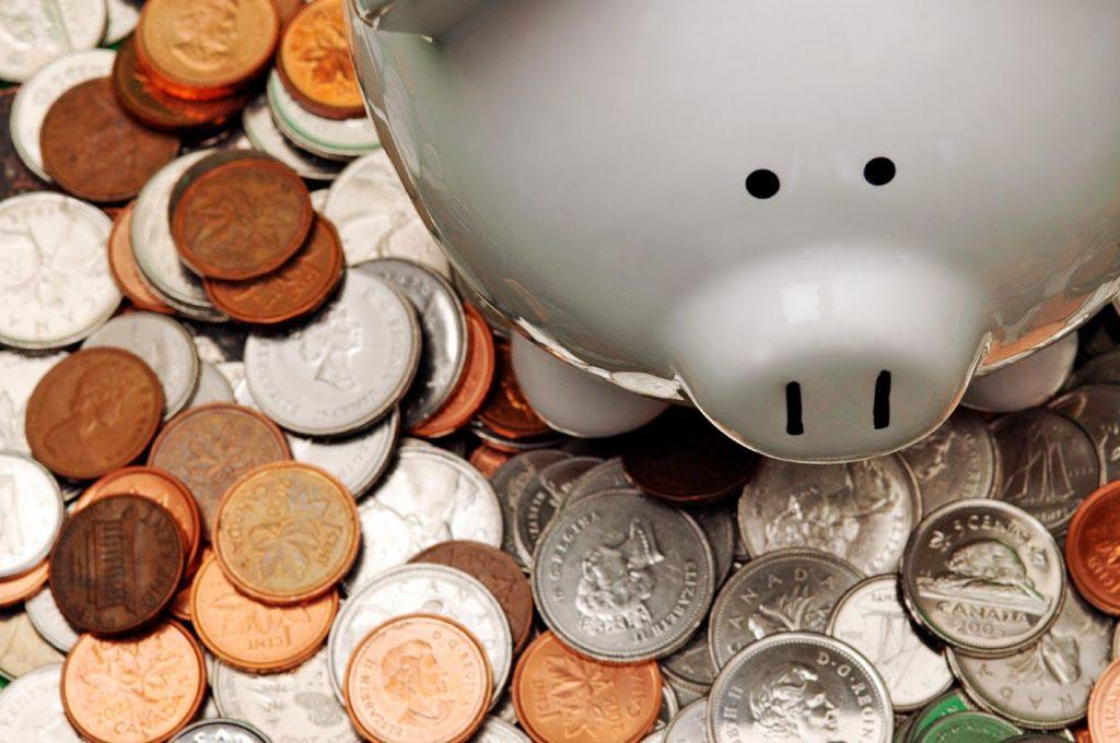 budget-canada-pig-bank
